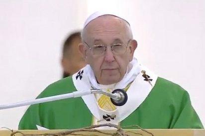 """""""¿Cuántas veces hemos visto tambalear nuestra fe porque no apareció Dios para defendernos?"""""""