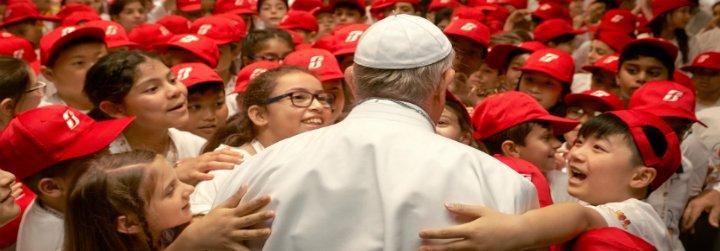 """Mandianes: """"Leerte, escucharte, querido Papa, es como ver el mundo tamizado con una seda de amor"""""""