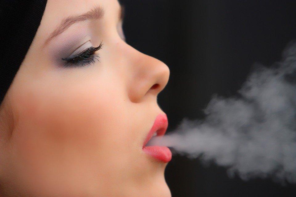 ¿Sabías que basta con una hora a la semana de exposición al humo de tabaco para que la salud de los adolescentes se vea afectada?