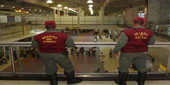 El chavismo cierra el espacio aéreo por miedo a un ataque de EEUU
