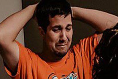 Todos creían que este hombre lloraba al ver a su bebé recién nacido, pero la verdadera razón era esta…