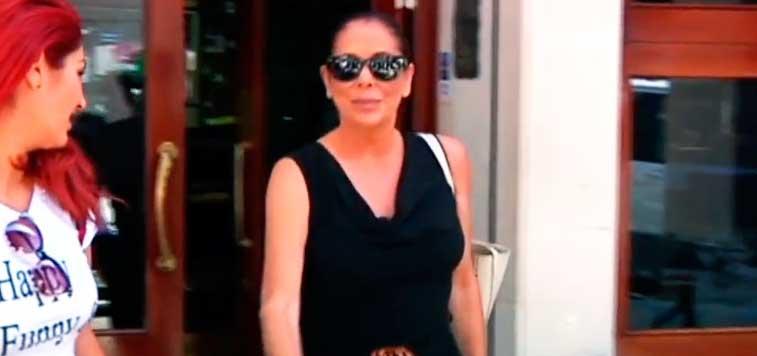 La Guardia Civil auxilia a Isabel Pantoja tras ser 'atacada' por un paparazzi y ponerse como una pantera en un centro comercial
