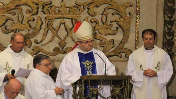 """Munilla: """"la Iglesia está pasando """"por una fuerte prueba de purificación interna"""""""