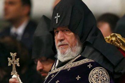Renuncia el Catolicós armenio Karekin II, el primero en la historia en hacerlo