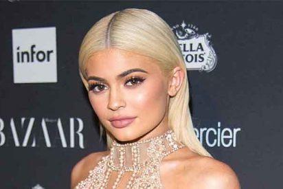 La Policía pilla 'pasada de tragos' a Kylie Jenner saliendo de una fiesta con Jordyn Woods