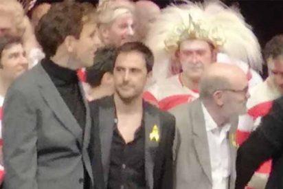 Teatro Real: el público abuchea en masa al salir dos miembros del equipo de 'Faust' a saludar con lazos amarillos