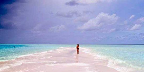 Maldivas ofrecerá vacunas a los turistas para reactivar su sector turístico