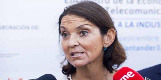 La ministra Maroto apoya ahora el impuestazo al diésel anunciado por Sánchez tras decir que era un 'globo sonda'