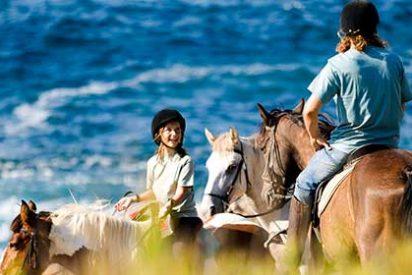 Veinte itinerarios ecuestres para descubrir la belleza de Menorca