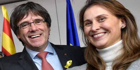 'Analfabetos Sin Fronteras': La 'embajadora' de Cataluña en la UE defiende a los golpistas en una carta llena de faltas de ortografía