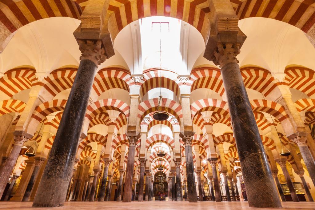 """José I. González Faus: """"Jesús le está diciendo hoy a la Iglesia: 'al que te pida la catedral, dale también la mezquita'"""""""