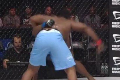 Operan de urgencia a este luchador de MMA tras recibir este fortísimo rodillazo