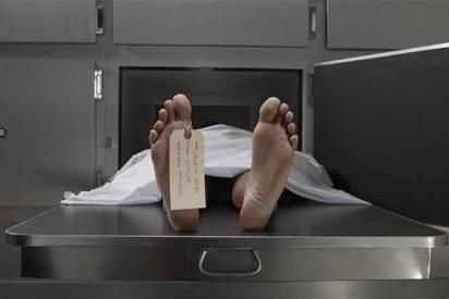 Un 'muerto' despierta en la morgue y regresa a la fiesta donde había bebido hasta 'morir'