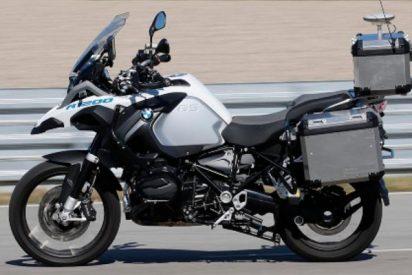 Así es la moto de BMW que se conduce sola