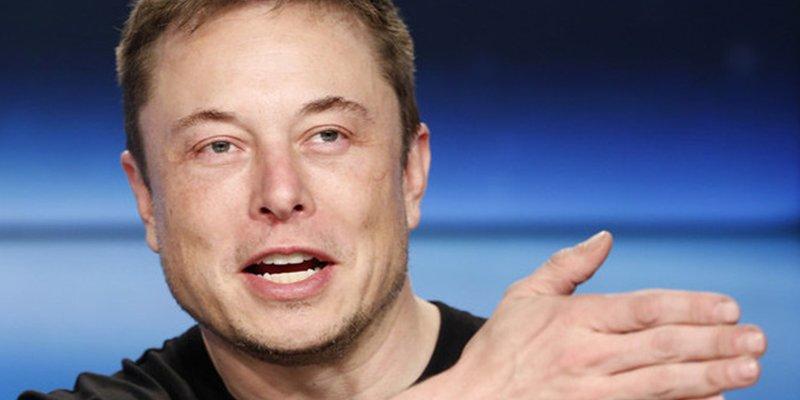 Elon Musk aseguró que un Tesla podría recorrer todo EEUU sin un conductor a bordo, pero la realidad es otra