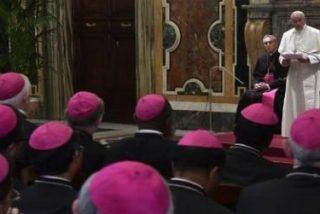 """Francisco: """"Parece que el Diablo, el Gran Acusador, esté enfadado con los obispos para crear escándalo"""""""