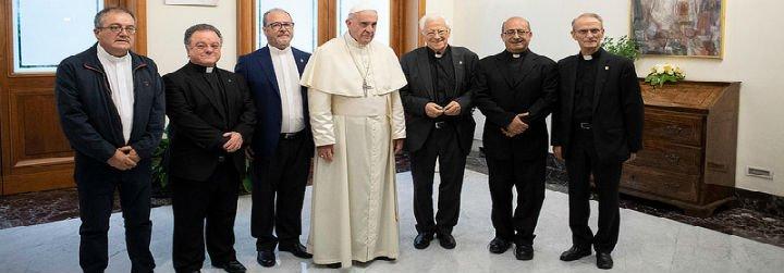 El Papa anima al padre Ángel a abrir una iglesia 24 horas para los sintecho de Roma
