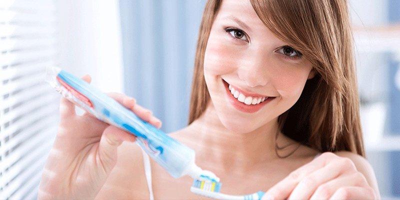 ¿Sabes por qué algunos alimentos saben tan mal después de lavarnos los dientes?