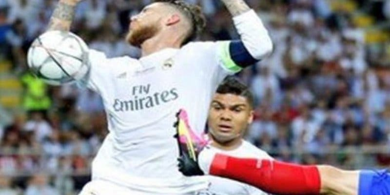 Incluso con el VAR, al Real Madrid le siguen 'friendo a palos, tarjetas y faltas' en cada partido