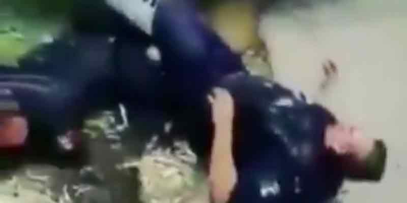 Indignante: Policías de México sufren un accidente de tráfico y los testigos solo se burlan (Vídeo)
