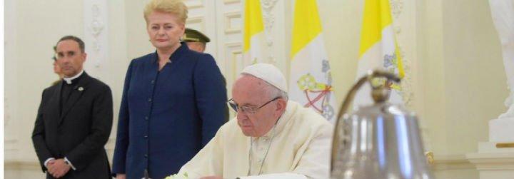 """Francisco invita a """"albergar las diferencias"""" frente a """"las voces que siembran división y enfrentamiento"""""""