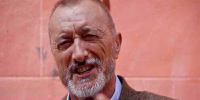 Arturo Pérez-Reverte escribe 'mariconadas'