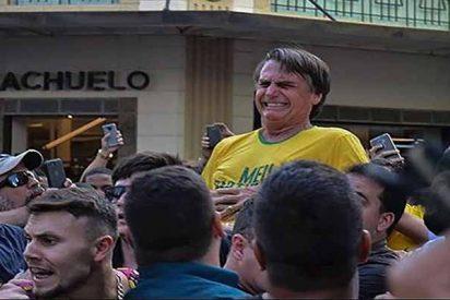 Pánico en Brasil: Apuñalan el candidato derechista Jair Bolsonaro en plena campaña electoral