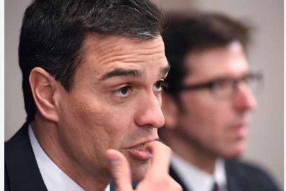 """Santiago López Castillo: """"Autobombo Sánchez"""""""