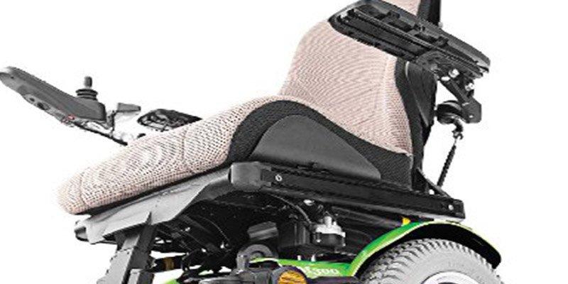 Sanidad retira por fallos as sillas de ruedas eléctricas 'Permobil' y las muletas de codo 'Advance bi material'