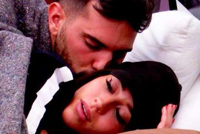 Primer 'edredoning' en 'GH VIP 6' con besos, achuchones y gemidos de placer