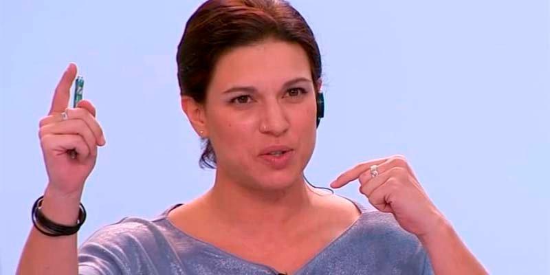 La 'tonta inútil' del golpismo exige la dimisión de Rivera tras dinamitar TV3