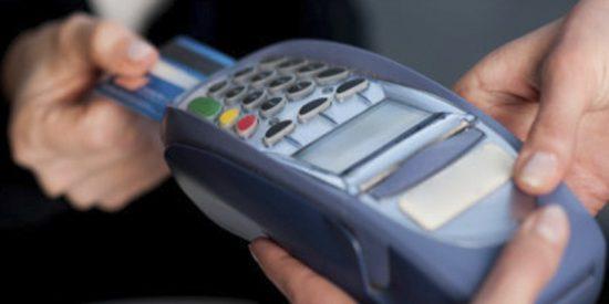 Varias fallas en un data center generan caos en el uso de tarjetas y dejan a miles sin dinero