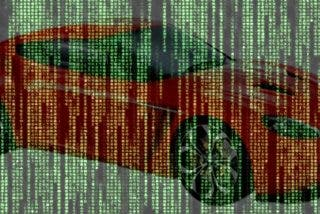 Así es como están 'hackeando' algunos coches para convertirlos en vehículos autónomos