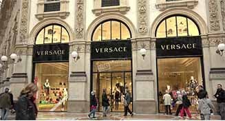 ¡Confirmado! Michael Kors adquiere Versace por 2.100 millones de dólares