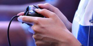 Muere de un derrame cerebral por su adicción a los videojuegos: La familia lo encuentra frente a la pantalla