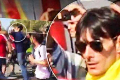 Éste miserable es el matón independentista que encabezaba la turba que agredió al guardia civil
