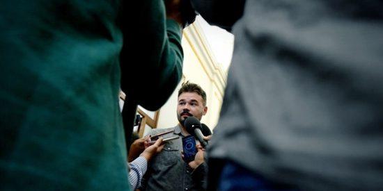 El sucio guiño de Rufián a laSexta que levanta piropos en la seductora izquierda mediática