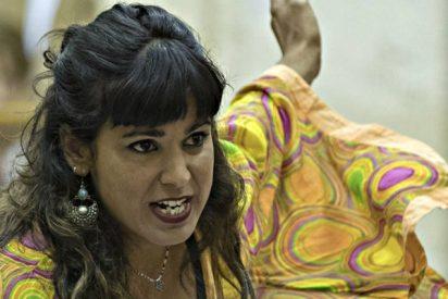 La venganza de una cabreada Teresa Rodríguez contra Verstrynge por pasarse con el rebujito