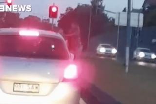 Esta sexy 'instagrammer' evita la cárcel por los pelos tras agredir a una mujer en la carretera