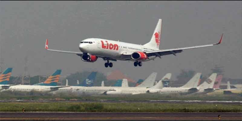 Se estrelló un avión de la compañía Lion Air en el mar en Indonesia con 189 personas a bordo