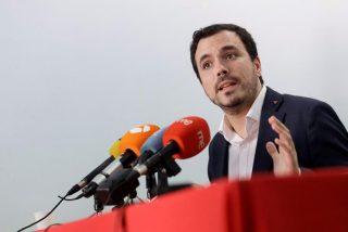 Alberto Garzón suma y sigue: de menospreciar al turismo español a su 'cruzada' contra las aerolíneas