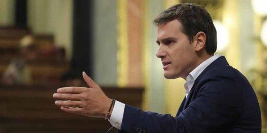 ¡Qué cínico eres, Rivera! El líder de Ciudadanos le exige elecciones a Sánchez al tiempo que le desbloquea los Presupuestos