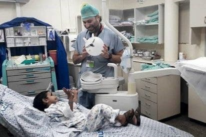 Éste es el médico argentino-israelí que atiende a niños en la guerra de Siria