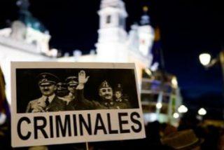 """""""Franco es criminal con apoyo episcopal"""": protesta contra el entierro del dictador en La Almudena"""