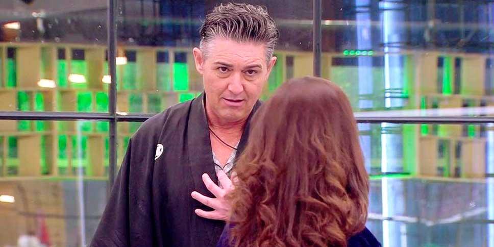 """Angel Garó enloquece y llama """"Zorra"""" y """"Mamarracha"""" a Miriam Savedra"""