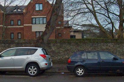 ¿Te pueden multar por aparcar en sentido contrario a la marcha?