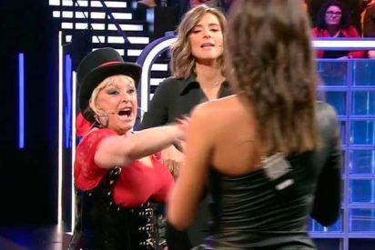 Aramis se enfrenta como una loca furiosa a Sandra Barneda y los colaboradores del 'Debate GH VIP'