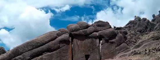 """Aramu Muru, la """"Puerta Estelar"""" de los Incas"""