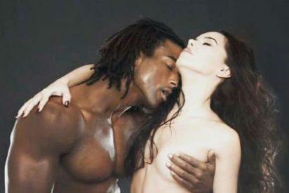El desnudo integral de Beatriz Luengo y su pareja que ha incendiado las redes