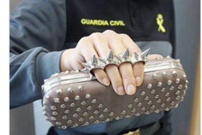 La Guardia Civil avisa de que si llevas este bolso te pueden multar con 300 euros
